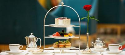 Afternoon tea at the Burj Al Arab is not like high tea anywhere else. Here at the top of the 4th tallest hotel in the world, you have Sky High Tea!